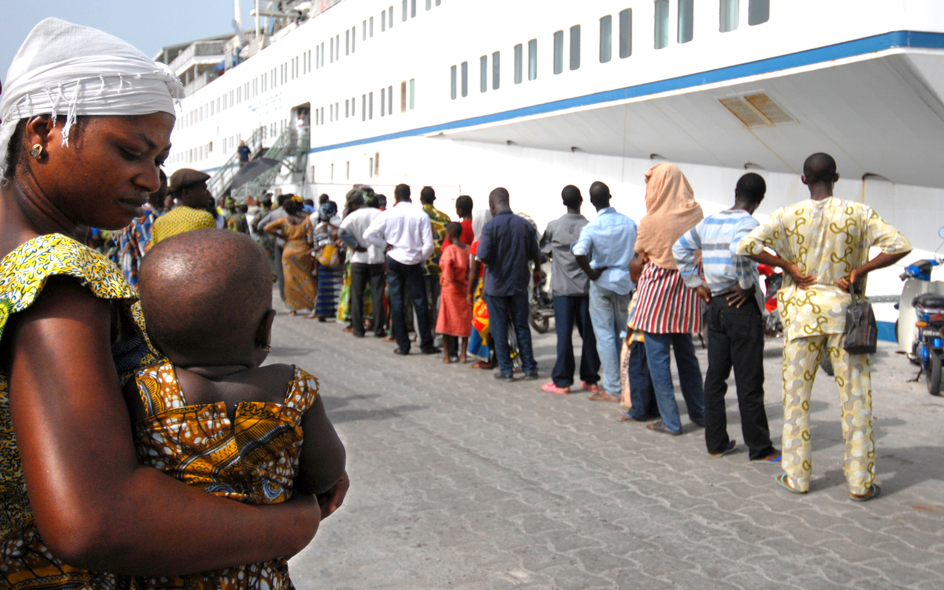 Patients-boarding-the-Africa-Mercy-hospital-ship
