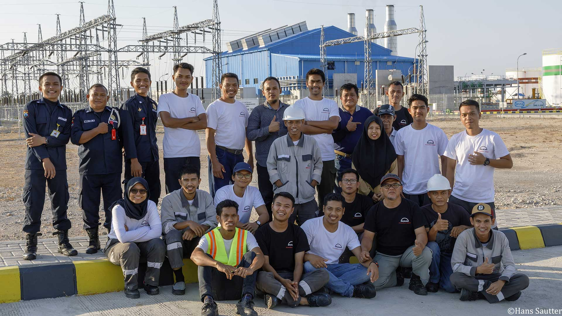 Employees-at-the-new-Sumbawa-dual-fuel-power-plant-in-Indonesia