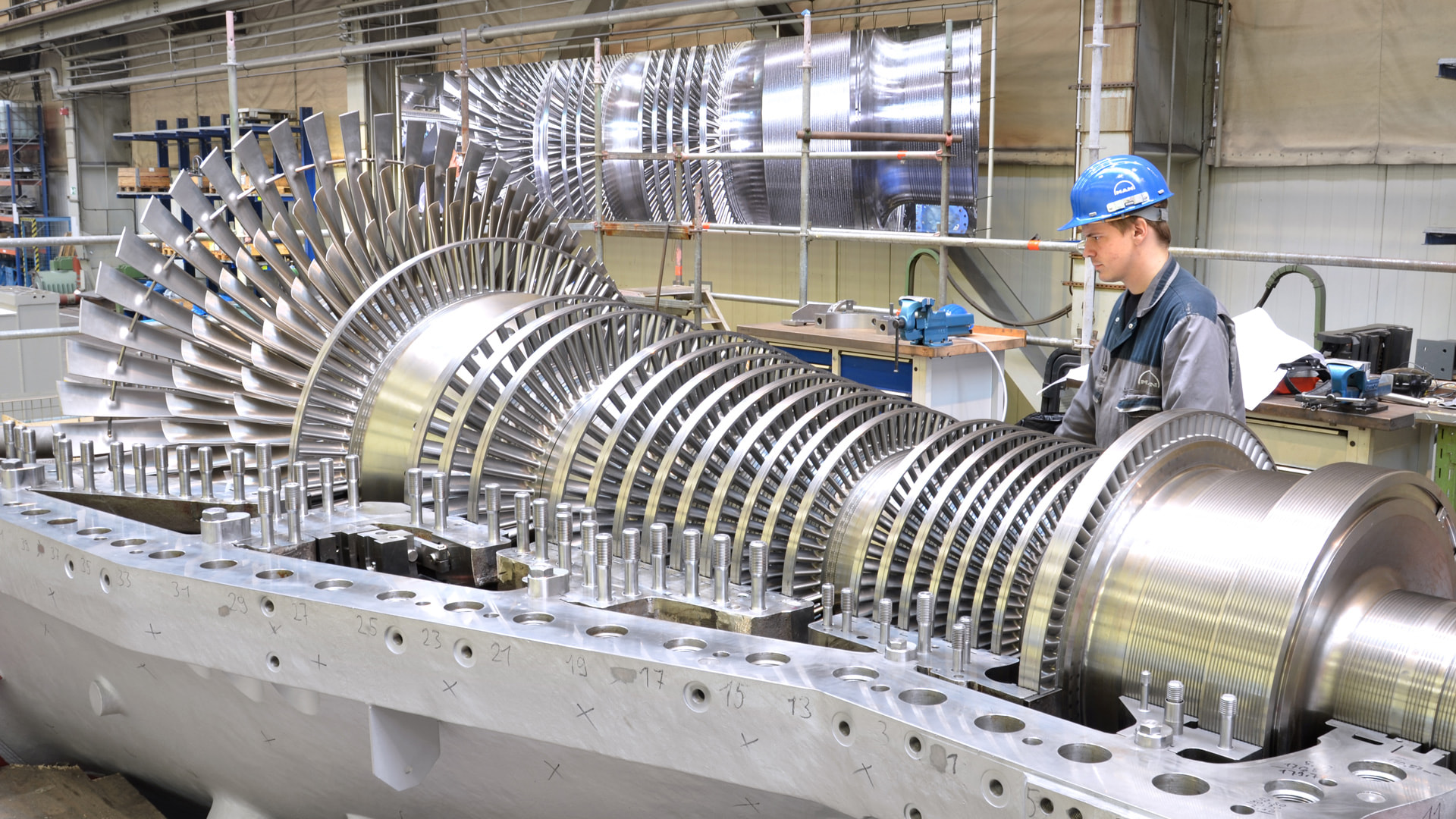 steam turbine with an engineer